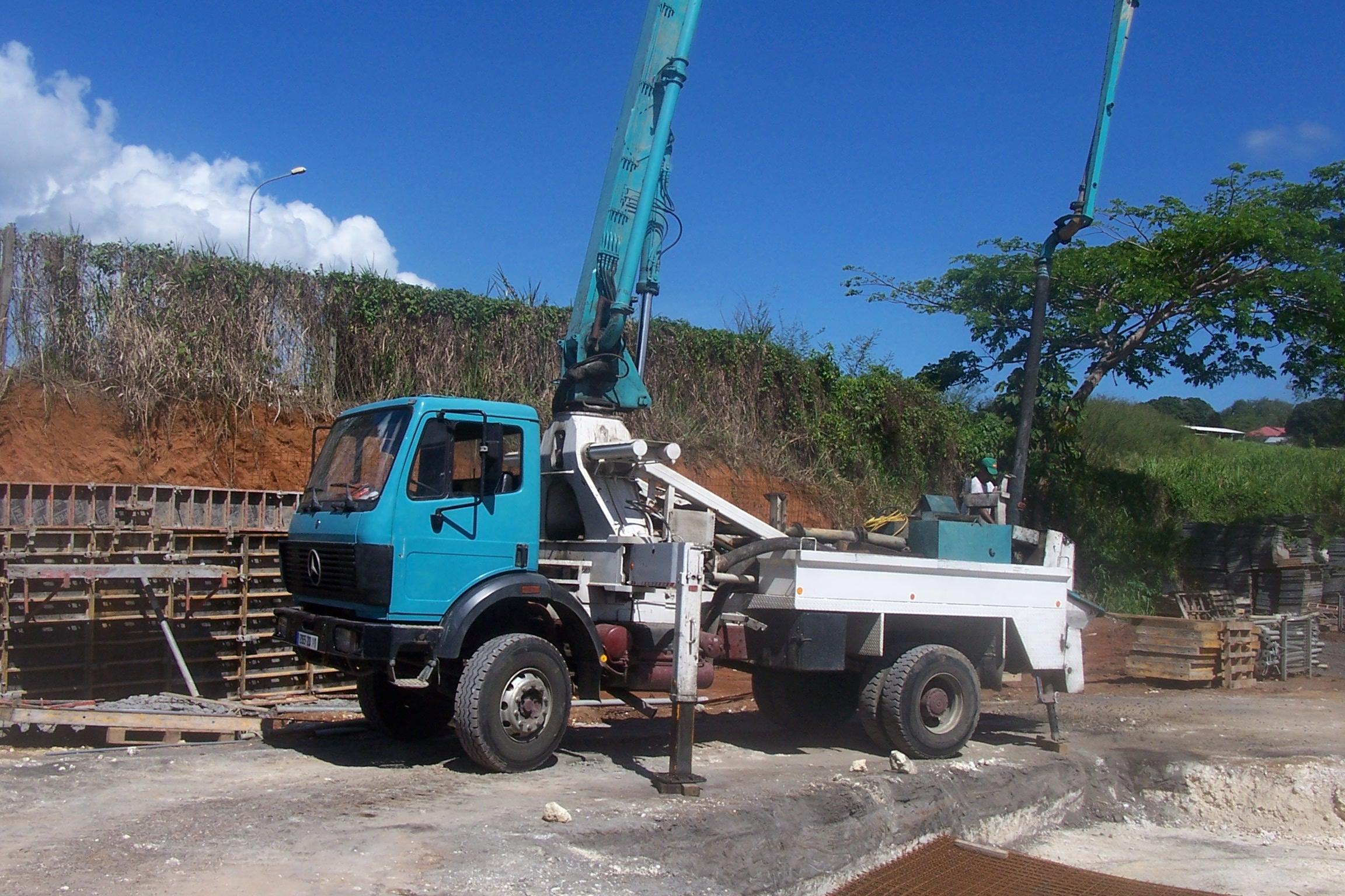 Camion pompe à béton